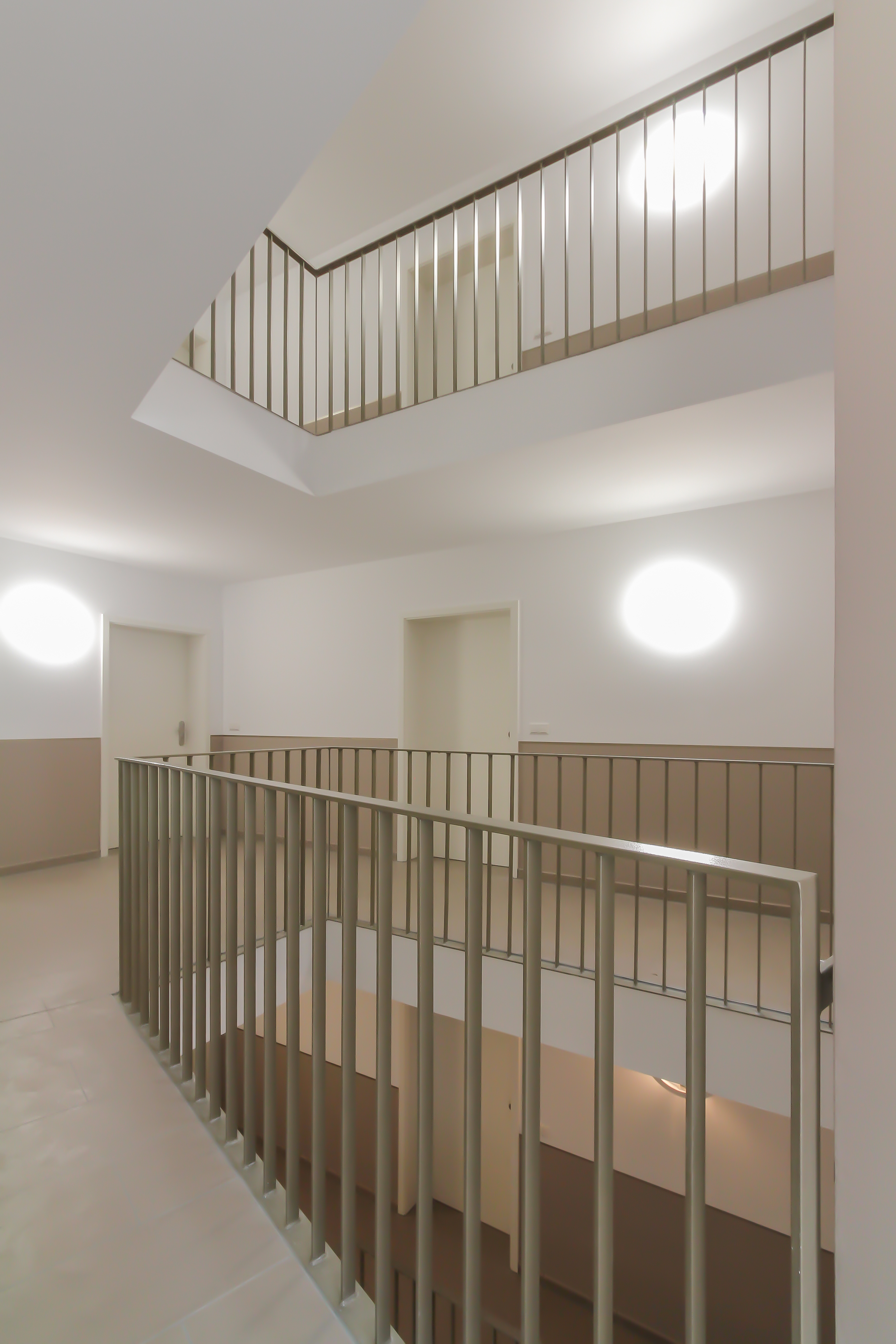 Treppenhaus mehrfamilienhaus  KL 28 Mehrfamilienhaus · Erfurt · Architekturführer Thüringen