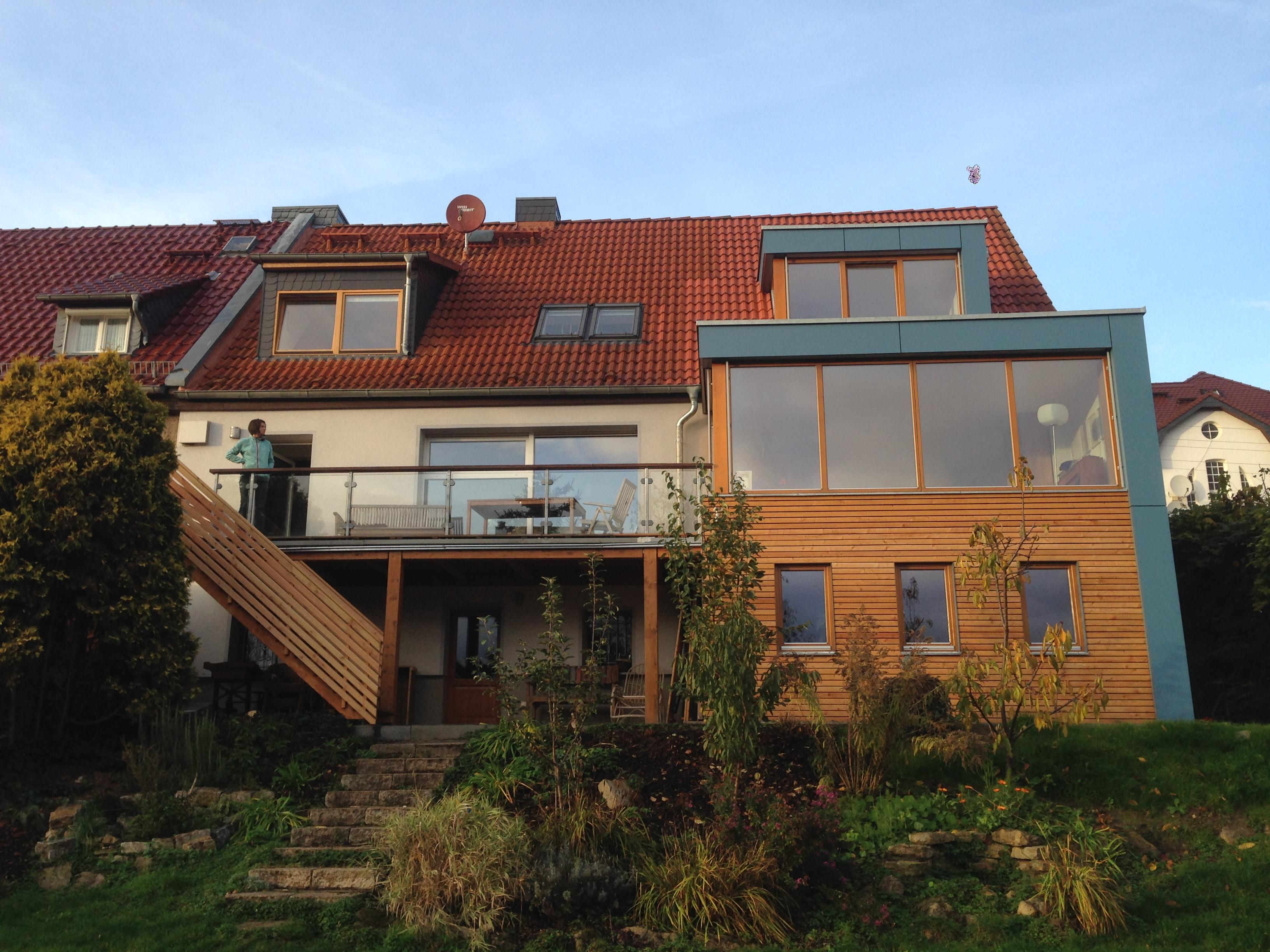Anbau Mit Neuer Gaube Und Versetzter Treppe, Bild: Tanja Ernst Adams